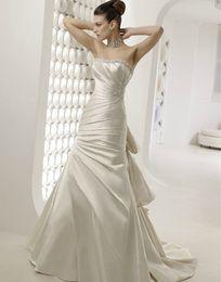 Wholesale 2012 Bridal Wedding Dress Strapless Beaded Satin Rosette Chapel Train Victoria Jane D05