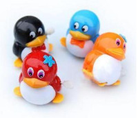 Wholesale Pop Clockwork Walking Penguin Clockwork Toys cool kids toys Wind up Toys clockwork can walk