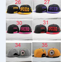 Wholesale 50pcs a Mixed Adjustable Snapback Hats Snapbacks Caps Snap back Cap Sport Men s hat Pink Dolphin