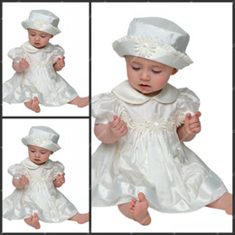 Wholesale Appliqued A Line Christening Gowns Knee Length Taffeta Babies First Communion Dresses with Hat