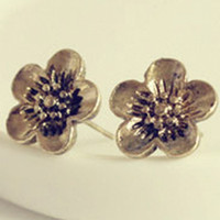 Wholesale Bronze Vintage Daisy Flower Stud Earrings lady Charms Gift cheap Fashion Jewelry