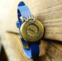 Wholesale Modern Style Crown Women Watches Quartz Watch Leather Gift for Christmas Colors