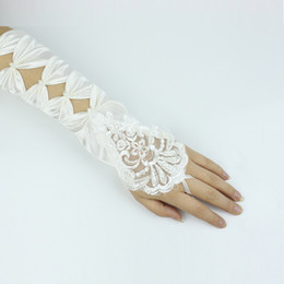 Wholesale Custom Made New Style Bridal Gloves for Wedding Dresses in hollow