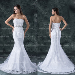 New Arrival 2019 Elegant Strapless Mermaid Lace Up Lace Appliques Wedding Dress Bridal Gown WD140