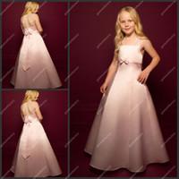 El más barato de los niños vestidos de noche escote halter una línea completa de longitud satén rosa arco de las muchachas de flor vestidos