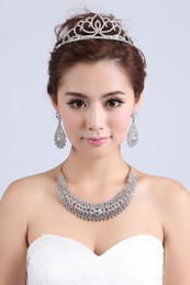 Wholesale New Arrival Fashionable Crystal Diamond Rhinestone Necklace Earrings Bridal Jewelry Set