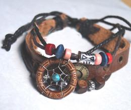 Nouvelle Arrivée Handmade Indian Dream Catcher Bracelet avec des perles en bois PU Femmes en cuir Femmes Legend Style Girls à partir de bracelets en bois faits à la main fabricateur
