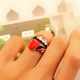 Lovely design fashion mouth Red lips metal ring fashion Jewelry Band Rings free shipping