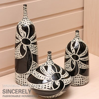 Wholesale Modern home pottery handmade sculpture of the three piece set vase decoration black and white f012