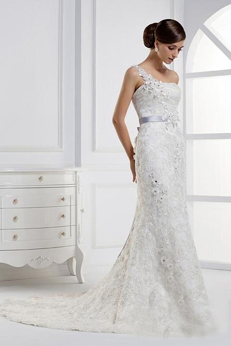 Classy Wedding Dresses: More classy woman fashion friday wedding ...