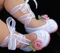 Wholesale Crochet baby girl shoes ballet shoes flower leaves ribbon M pairs cotton yarn custom