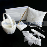 Wholesale Round Rhinestone Wedding Collection Sets Guestbook Pen Set Basket Ring Pillow Garters For Wedding Ceremony