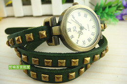 Wholesale Dropshipping high quality mix Lady s Rivet leather Belt Children luxury Women s Watches Antique Quartz men watch