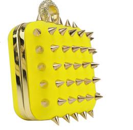 Wholesale Women Bag Ladies Handbags Rivet Evening Bags Fashion Hard Case Day Clutches PROMO