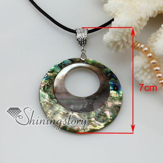 Wholesale round patchwork shell pendant necklace sea shell for Sell gold jewelry seattle