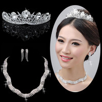 Wholesale STOCK Romantic Three Pieces Shiny Cystals Crown Earrings Necklace Tiaras Wedding bridal jewelry set