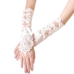 Wholesale diamond shaped hole bridesmaid bride gloves wedding gloves hook finger lace gloves free ship