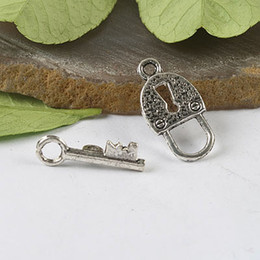 30Sets Tibetan silver lock key Toggle Clasps H0318