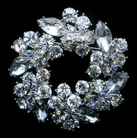Wholesale Silver Tone Unique Flower Clear Rhinestone Crystal Wreath Brooch Pin