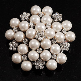 Rhodium Silver Plated Cream Imitation Pearl Cluster and Rhinestone Crystal Diamante Bridal Brooch Party Prom Pin
