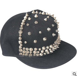 Adjustable Snapback Black Hats Caps With Rivet Men Women Spike Studs Rivet Cap Hat Punk Rock Hip hop