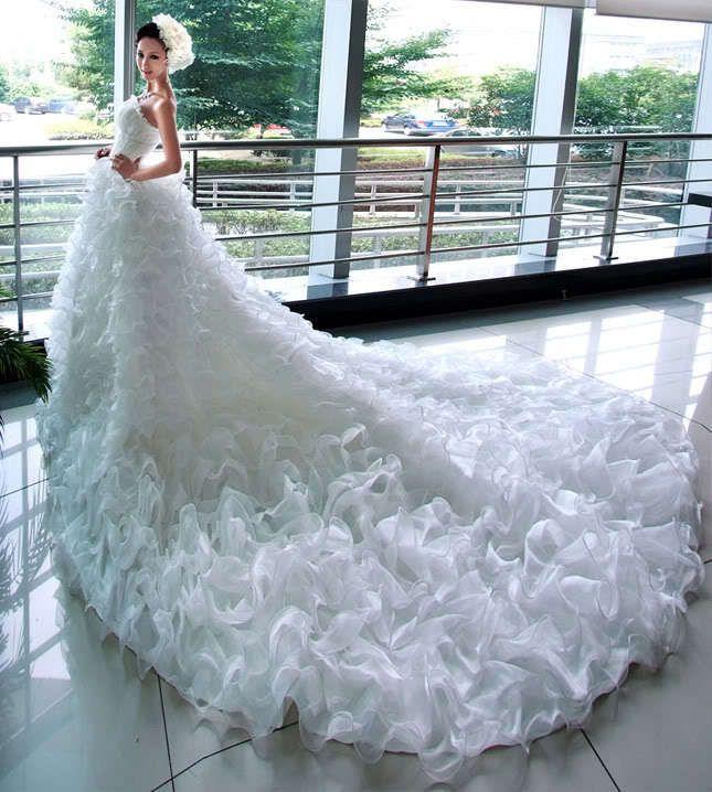 Sex lace up back multilayer flower long train wedding for Big beautiful wedding dresses