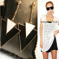 Wholesale Hot Sale Exaggerated Nightclub Vintage Black And White Geometric Triangle Earrings pairs
