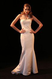 Wholesale Top Seller In China Strapless Satin Sheath Ivory Mermaid Sexy Fashion Wedding Dress Bridal Gown