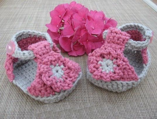 Crochet Baby Girl Boots Pattern : Baby Girl Crochet Shoe Pattern