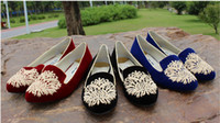 Wholesale women Embroidered Velvet Flat shoes casual shoes