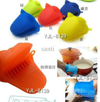 Wholesale Animal shaped silicone Oven mitt Pot Holder Potholder Pliable Glove colorful