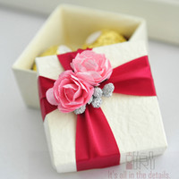 Wholesale Western modern candy boxes brief white gift box red flowers gift packaging boxwedding favor holder