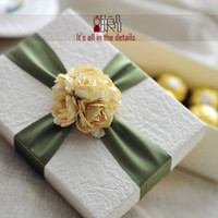 Wholesale Euro style big paper wedding gift boxes romantic valentines gift packaging box favor holder