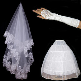 Wholesale Fast shipping Wedding Set In Stok Bridal Lace Veil Wedding Glove amp Petticoat Three Set Accessory