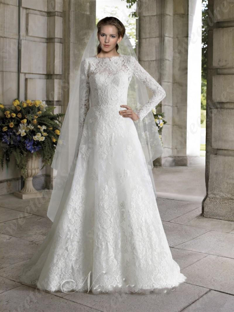 Beautiful Elegant Vintage Long Lace Sleeves V Back Church White ...
