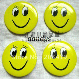 Wholesale retail High Quality Smile Face Badge Pin Button medal Cheapest face open eyes fun smiling