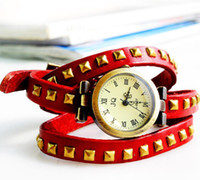 Wholesale Hot selling style Genuine Cow leather vintage quartz wristwatches woman