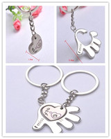 Wholesale Fashion Alloy Lovers Couples Keyring Love in Hand Key Chain