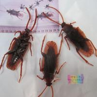 2-0.16 best movie props - Hot Best Life like Fake Roach Blackbeetle Cockroach Trick Joke Toy Prop Realistic