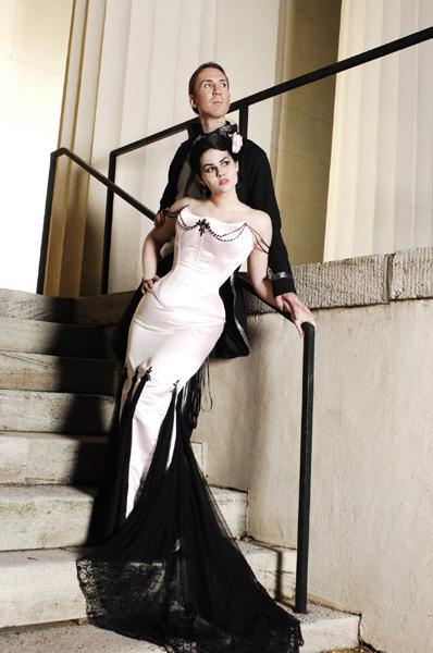 Vestidos de boda baratos Negro Y Blanco gótica de la sirena 2016 vestidos sin tirantes del