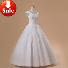 Wholesale Fashion Perfect Ivory Wedding Dresses Off shoulder Tulle Appliques Beads Ball Gown Sweep Train Briidal Dress