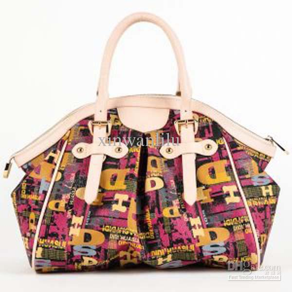 Discount designer handbags in Long Beach. Wallets and clutches