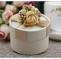 wedding gifts - European Style New Wedding Flower Candy Box Cylindrical Wedding Favors Holder Gift Gold