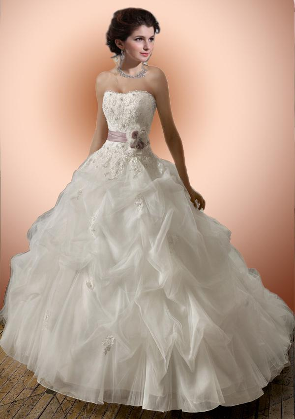 Ball Gown Dropped Waist Strapless Wedding Dress With Delicate Ruffles Organza