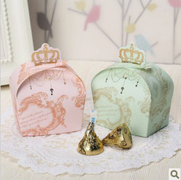Wholesale 2013 New Arrived Wedding Candy Boxes Marriage Candy Bags Wedding Favors Crown Shape Wedding Boxes
