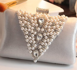 Wholesale New Brital Hand Bag Crystal Wedding Women Clutch Bags Pearls Rhinestone Silver Purple Black Grey Golden Fashion Party
