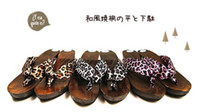 Wholesale Japanese Style Wood Sole Flip Flops Fashion LEOPARD SKIN Print Silk Women Geta Slipper Black Yellow