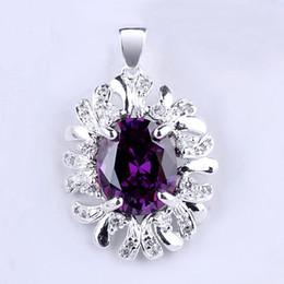 Oval Flower Shape Purple Amethyst .925 Sterling Silver Pendant NAL P010