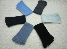 Wholesale 30 pairs Colors Unisex Men five fingers toe socks absorbent comfortable Seperate Warm