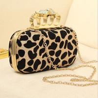 Compra De embrague del anillo de leopardo-FreeShipping 2013 Leopardo Nuevo Diamante de la Calavera de Cristal de los Nudillos de la Noche del Embrague Anillo Bolsa de Cosméticos de 2 colores